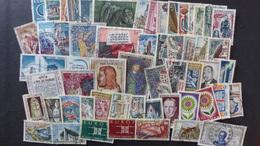 FRANCE - Année 1960-1969 - 180 Timbres Oblitérés Tous Différents - Stamps