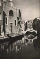 VENEZIA SCORCIO PANORAMICO CON GONDOLA DETTAGLI ANNO 1950 VIAGGIATA - Venezia