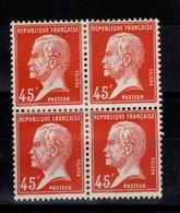 Pasteur YV 175 N* Bloc De 4 , Cote 10 Euros - Unused Stamps
