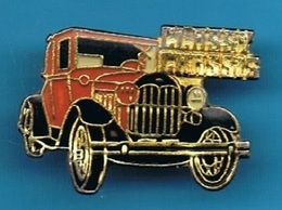 PIN'S //   ** CITY EVENTS / LES SCHWAB CLASSY CHASSIS / PARADE & CAR SHOW ** - Badges