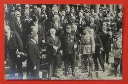 Ww1 Carte-photo 1919 Poincaré Maréchal Joffre Foch Beau Plan Sur Les Marches Hôtel De Ville Paris Sans éditeur - 1914-18