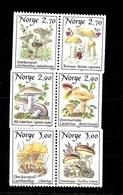 3 Series De Noruega Nº Yvert 969/70, 990/91 Y 1012/13 ** SETAS (MUSHROOMS) - Noruega