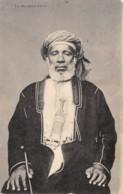 Zanzibar - Ethnic / 44 - Un Marchand D'ivoire - Tanzanie