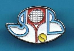 1 PIN'S  //   ** CLUB BATMINTON // ???? ** - Badminton