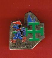 SCOUTS UNITAIRES DE FRANCE CHARTRES SUF SCOUT SCOUTISME CATHEDRALE PINS EN BON ETAT - Scoutisme
