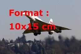 Reproduction D'une Photographie D'un Vue Du Concorde Décollant De Seattle - Reproductions