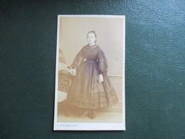 CDV JEUNE FILLE ROBE NELLY 1864  PHOTOGRAPHE A.LE BLONDEL  59 LILLE - Photos