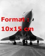 Reproduction D'une Photographie D'un Vue Du Concorde 002 De RAF Fairford En 1969 - Reproductions