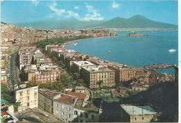 V3746 Napoli - Panorama Col Vesuvio / Viaggiata 1971 - Napoli