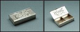 Boîte Hollandaise En Argent, Ouverture Double Face, Scène De Taverne En Relief Sur Les 2 Faces, 4 Comp., 50x 29x10mm. -  - Boites A Timbres