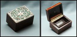 Boîte En Palissandre à Décor Ajouré, En Argent Sur Couvercle, 1 Comp., 58x43x33mm. - TB - Stamp Boxes