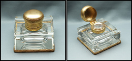 Encrier En Cristal, Cerclage Et Capuchon En Laiton Doré, 75x75x80mm. - TB - Boites A Timbres