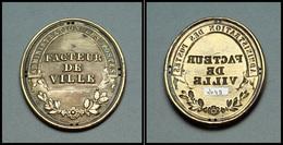 """Plaque De Facteurs. """"Administration Des Postes/Facteur De Ville"""", Modèle En Cuivre. - TB. - R (Florange # 911) - Stamp Boxes"""