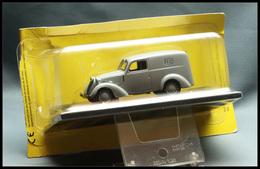 """Voitures. """"Simca 8 Fourgonnette 1947"""", éd. Musée De La Poste Sous Blister. - TB - Boites A Timbres"""