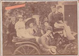 Très BELLE Photo 19ème -CALECHE-Mode- Chapeaux- Voiture Ancienne--1898- ANIMATION GROS PLAN- Dim. : 12,8cm X 17,8 Cm. - Photos
