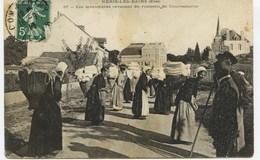 4882 -  Allier -  NERIS Les BAINS  : Métier -  LES LAVANDIERES REVENANT DU RUISSEAU DE COURNEAURON   -- Circulée En 1910 - France
