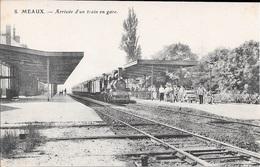 MEAUX - Arrivée D'un Train En Gare. - Meaux