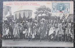 Benin Abomey Groupe Chefs Et Feticheurs  Cpa Timbrée  Afrique Noire - Dahomey