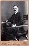 CDV Tirage Photo Albuminé Cartonné Original, Homme Moustachu En Guidon - Photo A. Hirnschrodt - Ried - Innkreis - Personnes Anonymes