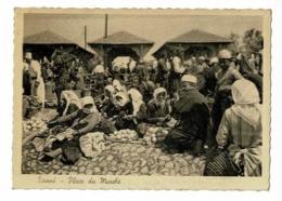 CPSM 105 X 148 Mm - Tiranë - Place Du Marché (les Femmes Assises Au Sol Vendent Des Légumes & Du Pain En Boule) Pas Circ - Albanien