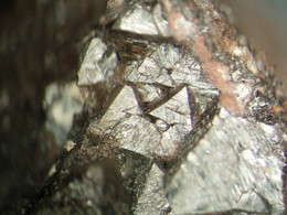 * HAUSMANNITE Xls, Iron Monarch Open Cut, Iron Knob, Eyre Peninsula, South Australia, Australia * - Minéraux