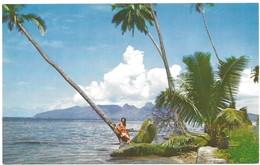 Tahiti Guitariste Tahitienne Sur La Plage - Tahiti