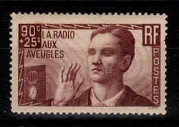 YV 418 N* Radio Aux Aveugles , Une Dent Manquante Cote 9 Euros - Ungebraucht