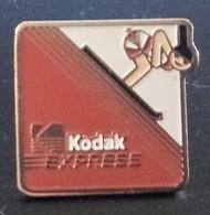 Pin's KODAK EXPRESS - Ski - Sport - Photography