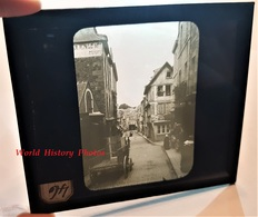 Photo Sur Plaque De Verre Début XXe - DINAN - Rue à Identifier Attelage Publicité Julien Le Mée - Bretagne Cotes D'Armor - Glass Slides