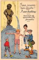 BRUXELLES - Souvenire De Manneken-Pis - Nous Jouons Bain Douche !  I Am Bathing - Monuments, édifices
