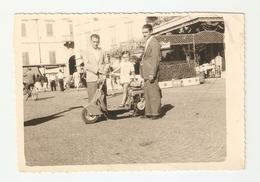 """FO--00049-- FOTO ORIGINALE --PROBABILE """" LAMBRETTA B 125  ANNO 1949 - BIMBO - Foto"""