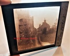 Photo Sur Plaque De Verre Début XXe - LE MONT SAINT MICHEL - Une Vieille Rue - RARE - Manche Normandie - Glass Slides
