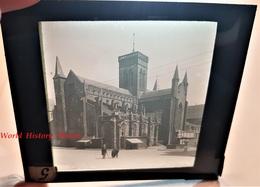 Photo Sur Plaque De Verre Début XXe - VIRE - Vue Sur L' Eglise - Calvados Normandie Architecture Histoire Patrimoine - Glass Slides