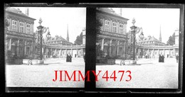 Plaque De Verre Stéréo - La Place Carrière Bien Animée - Nancy 54 Meurthe Et Moselle - Grande Taille 178 X 88 Mlls - Plaques De Verre