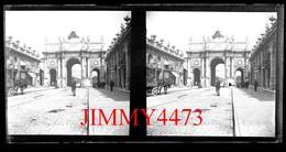 Plaque De Verre Stéréo - L'Arc De Triomphe De La Place Stanislas Vers 1900 Nancy 54 M. & M.  Grande Taille 178 X 88 Mlls - Plaques De Verre