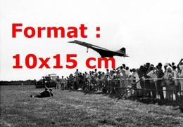 Reproduction D'une Photographie Ancienne D'un Décollage Du Concorde En 1984 - Reproductions