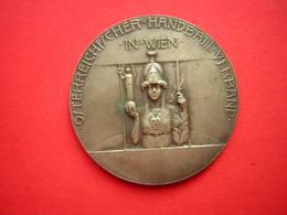 MAIDAILLE SIGNEE R PLACHT  OSTERREICHISCHER HANBALL VERBAND IN WIEN CUP SIEGER 1927 /1928 - Jetons & Médailles
