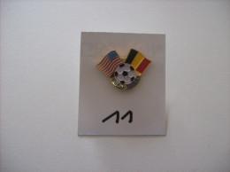 "PIN'S -  FOOT "" USA 94 "" BALLON + Drapeau Belgique Et Americain -  World Cup 94   -   Voir Photo ( 11 ) - Football"
