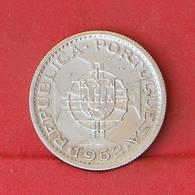 MOZAMBIQUE 10 ESCUDOS 1952 - 5 GRS - 0,720 SILVER   KM# 79 - (Nº27209) - Portugal