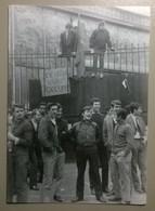 Lot De 2 Cartes Postales / Histoire Sociale CGT Citroën 68 & Bidonville Paris - Evènements
