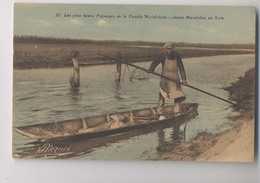 Jeune Maraichin En Yole - Les Plus Beaux Paysages De La Vendée Maraichine - Gros Plan -  Colorisée - Animée - Métiers