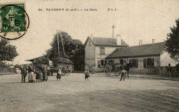 95 TAVERNY .... La Gare (animation Devant La Gare) - Taverny