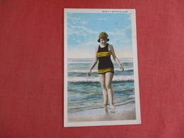 Bathing Suit Merely A Matter Of Form    Ref 3129 - Fashion
