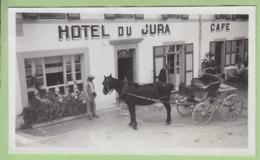 BELLEFONTAINE (Jura), Août 1933 : La Voiture Du Courrier Poste De Bellefontaine Devant L'Hôtel Du Jura. - Lieux