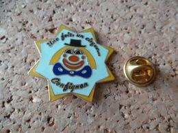 PIN'S   CLOWN  CIRQUE - Badges