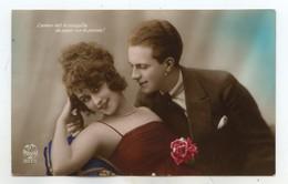 Couple ; Homme; Femme Aux épaules Dénudées - Noyer - Fantaisies