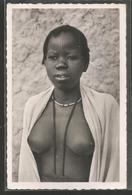 Cameroun - Pouss  Mousgoum - Jeune Femme Presque Nue - Nu - Colliers - Scarification Sur Le Front -  Photo Pauleau ? - Cameroon