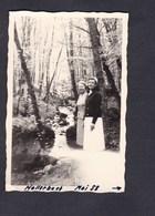 Photo Originale Vintage Snapshot Luxembourg Beaufort Hallerbach Mai 1958 Femme - Lieux