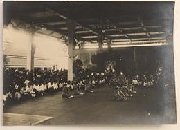 Exécution De Danses Au Palais Royal Du Cambodge à Phnom-Penh. - Places