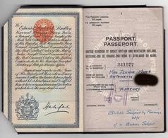 """WW2 Passeport United Kingdom 1940/1945. Fiscaux France Et étranger, """"affaires étrangères GRATIS"""", Nbx Cachets Consulats. - Historical Documents"""